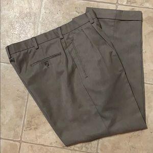 Dockers pleated cuffed men's slacks Sz 34/29